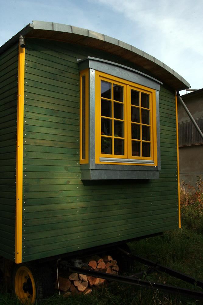 im bauwagen wohnen wir bauen aus bauwagen wohnwagen manufaktur bad belzig. Black Bedroom Furniture Sets. Home Design Ideas