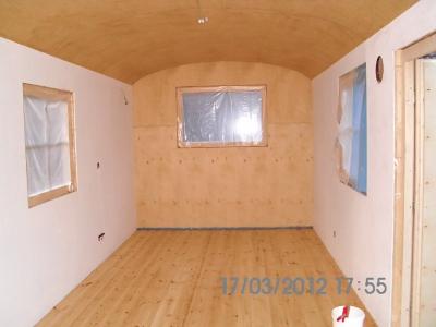 bauwagen ausbauen mit der bauwagen wohnwagen manufaktur bad belzig. Black Bedroom Furniture Sets. Home Design Ideas