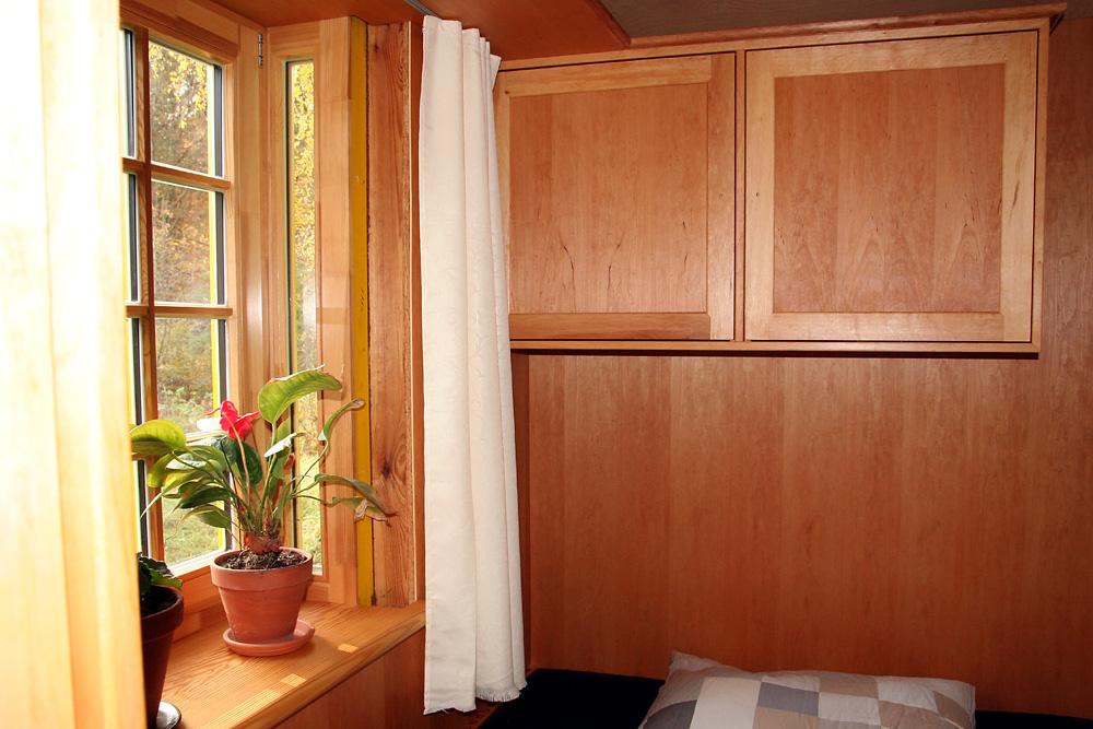 Der Schlafbereich besteht hier aus Erlenholz.