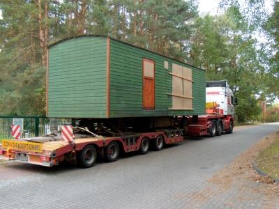 Wohnwagen-Transport mit Tieflader II